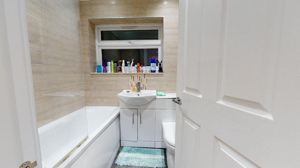 3 bed for sale in Croydon  - Property Image 19