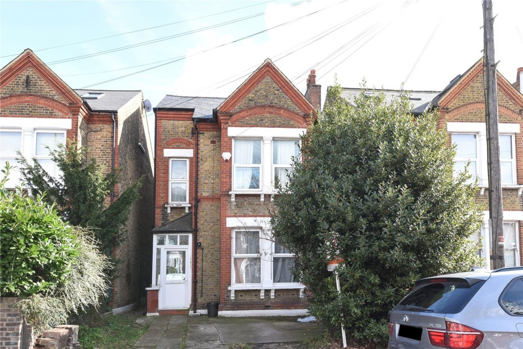 5 bed for sale in London 0