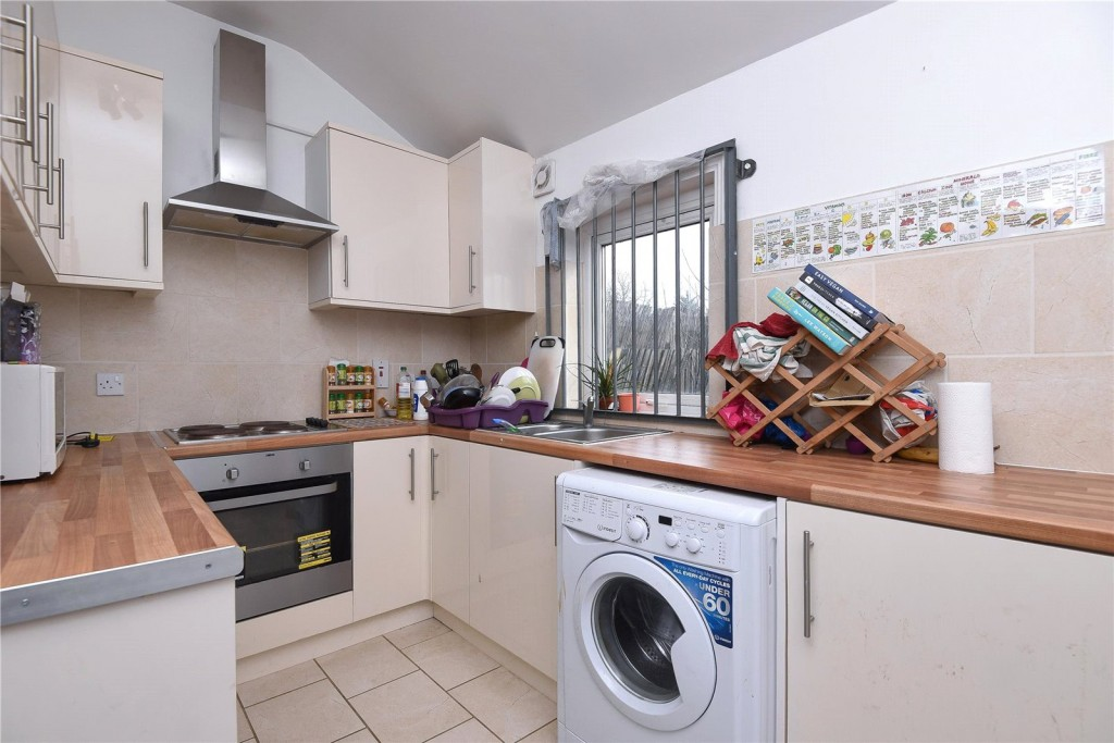 5 bed for sale in London 1