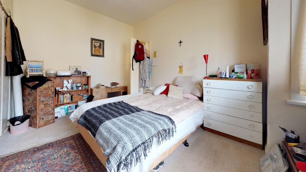 3 bed for sale in London 1
