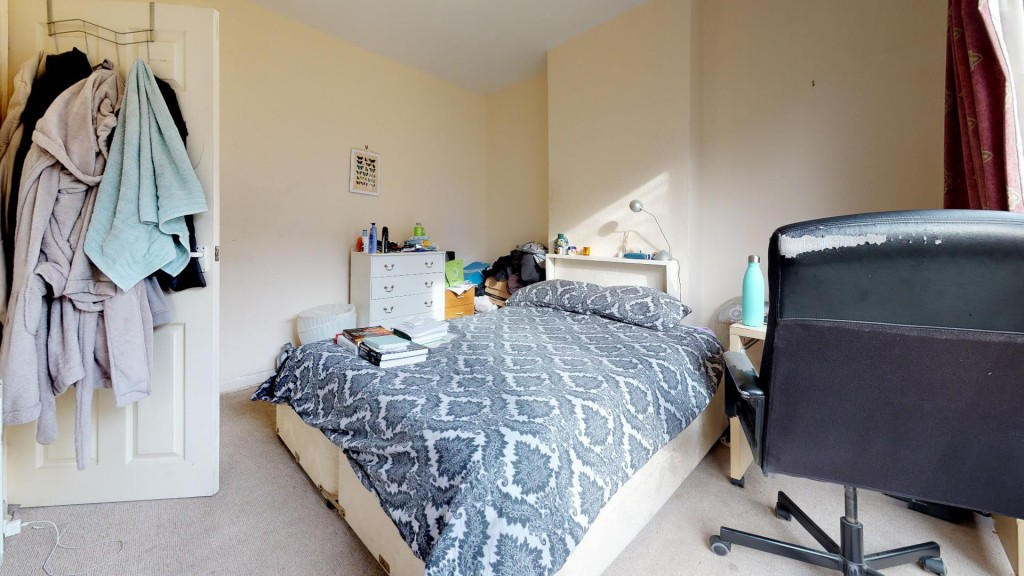 3 bed for sale in London  - Property Image 12