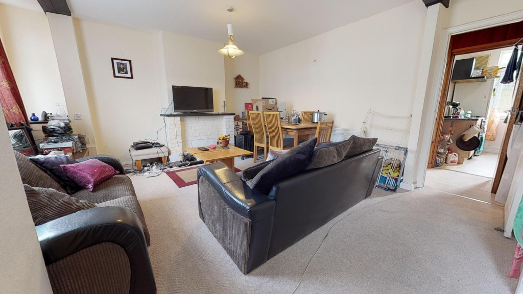3 bed for sale in London  - Property Image 6