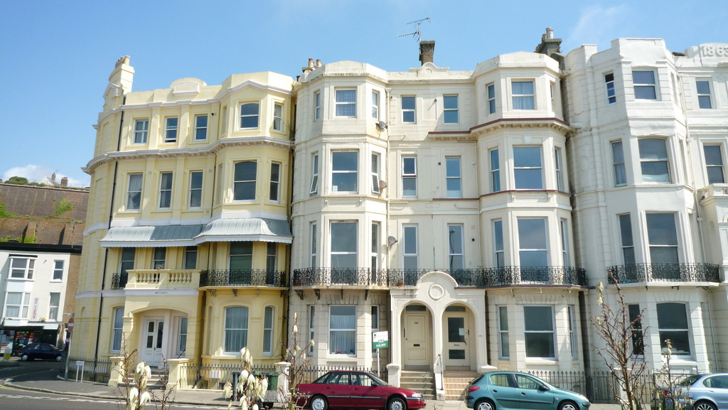 2 bed flat to rent in Marina, St. Leonards-on-Sea - Property Image 1