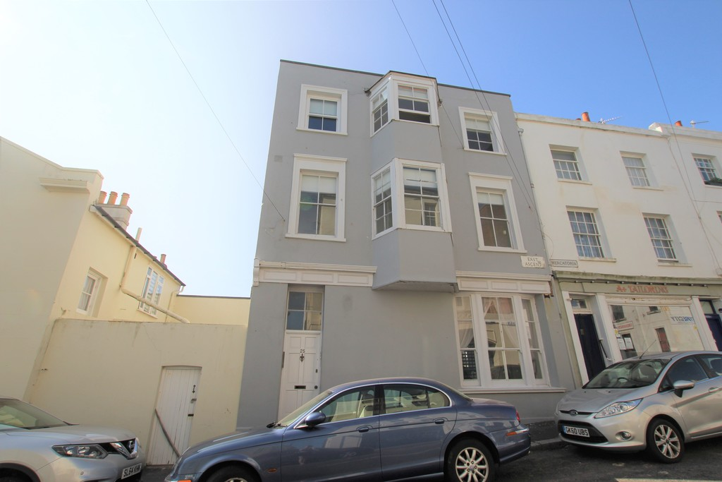 A one bedroom first floor flat just a short walk away from St Leonards' town centre and the beach. This property benefits from being newly decorated, newly fitted windows, and gas central heating.Terms: Holding deposit (part of first month's rent): £125.00 Rent: £550.00 Deposit: £550.00 Minimum annual income: £16,500.00