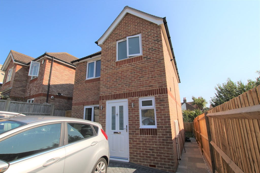 3 bed house to rent in Willingdon Close, St. Leonards-on-Sea - Property Image 1