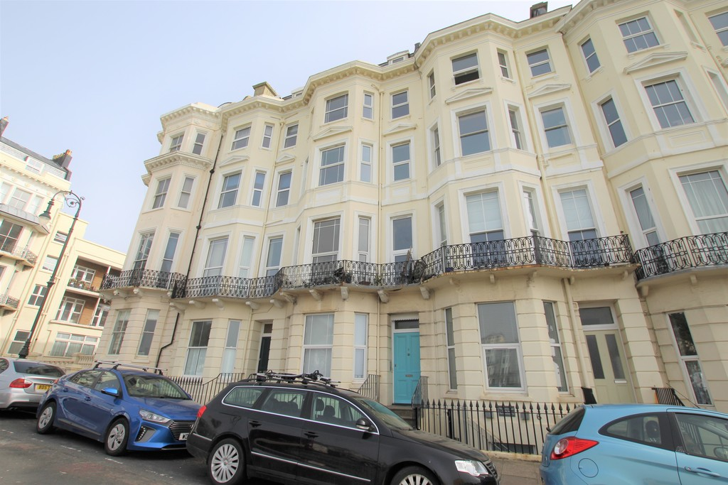 This top floor flat benefits from having two bedrooms, balcony, stunning sea views, new carpets, redecorated throughout and double glazing.Terms: Holding deposit (part of first month's rent):  £180.00 Rent: £800.00 Deposit: £800.00 Minimum annual income: £24,000.00