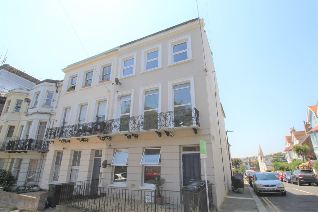 A beautifully refurbished two bedroom top floor flat, benefitting from modern decoration throughout, newly fully fitted kitchen, newly fitted bathroom, and double glazing.Terms: Holding deposit (part of first month's rent): £205.00 Rent: £900.00 Deposit: £900.00 Minimum annual income: £27,000.00