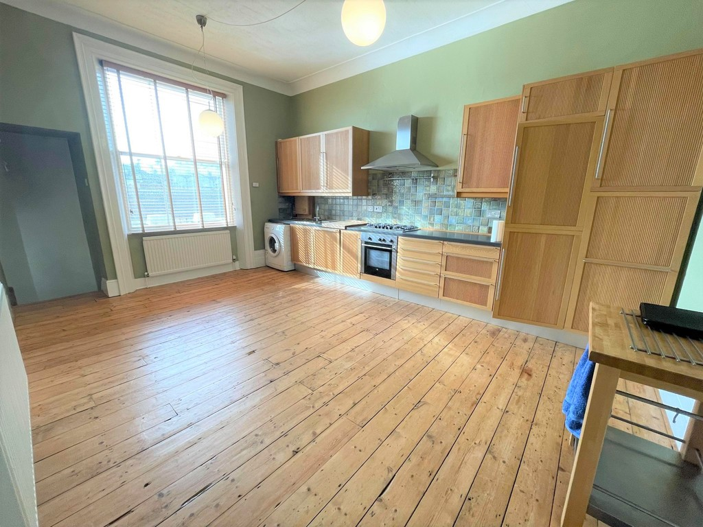 A large two bedroom second floor flat benefitting from having large living area, separate kitchen with integrated appliances, bathroom with shower over bath, balcony, double glazing, and gas central heating.Terms: Holding deposit (part of first month's rent): £215.00 Rent: £950.00 Deposit: £950.00 Minimum annual income: £28,500.00