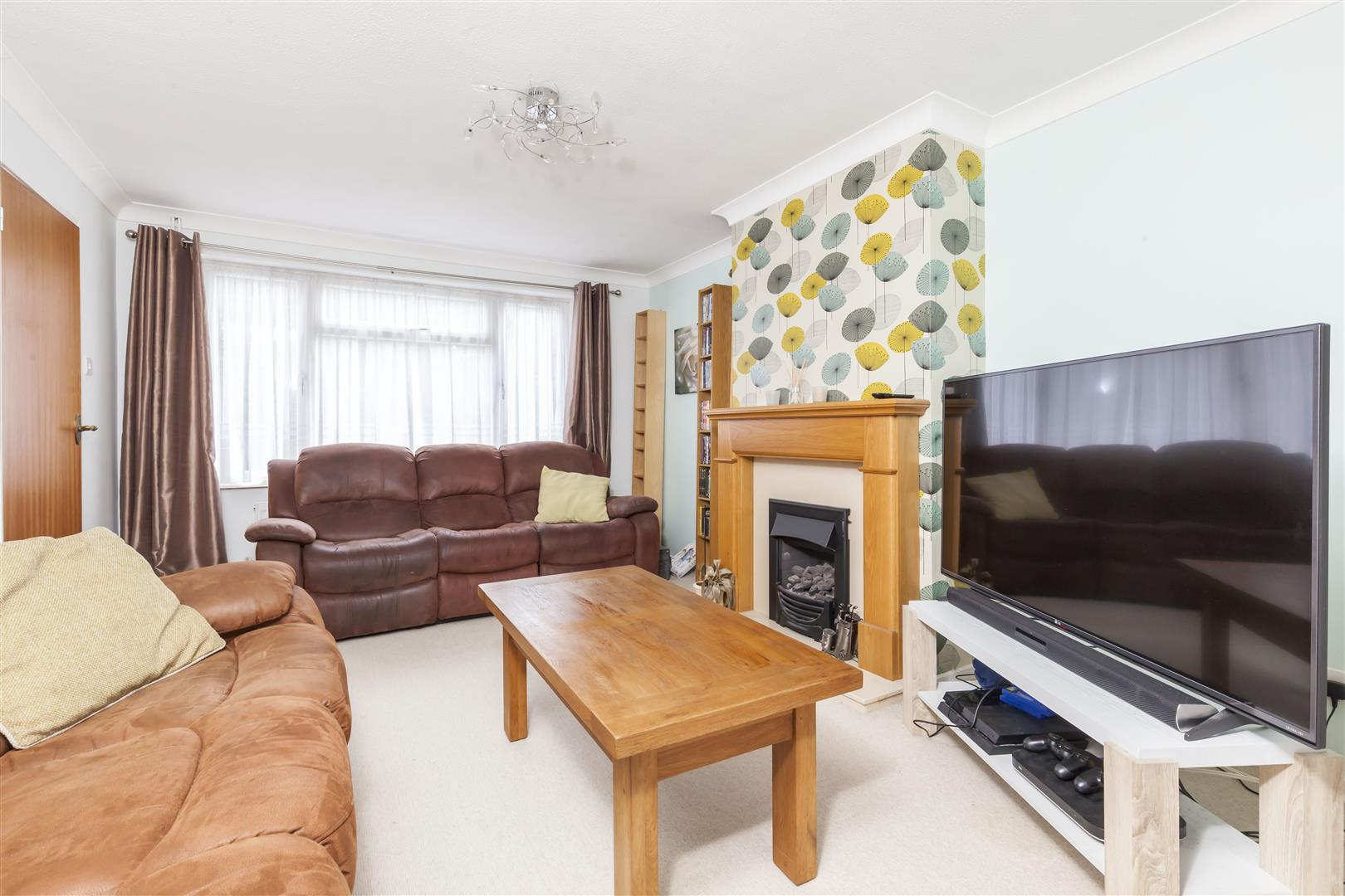 3 bed terraced-house for sale in Furnace Drive, Crawley 3