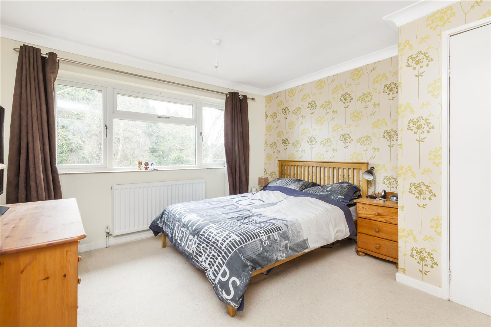 3 bed terraced-house for sale in Furnace Drive, Crawley 9