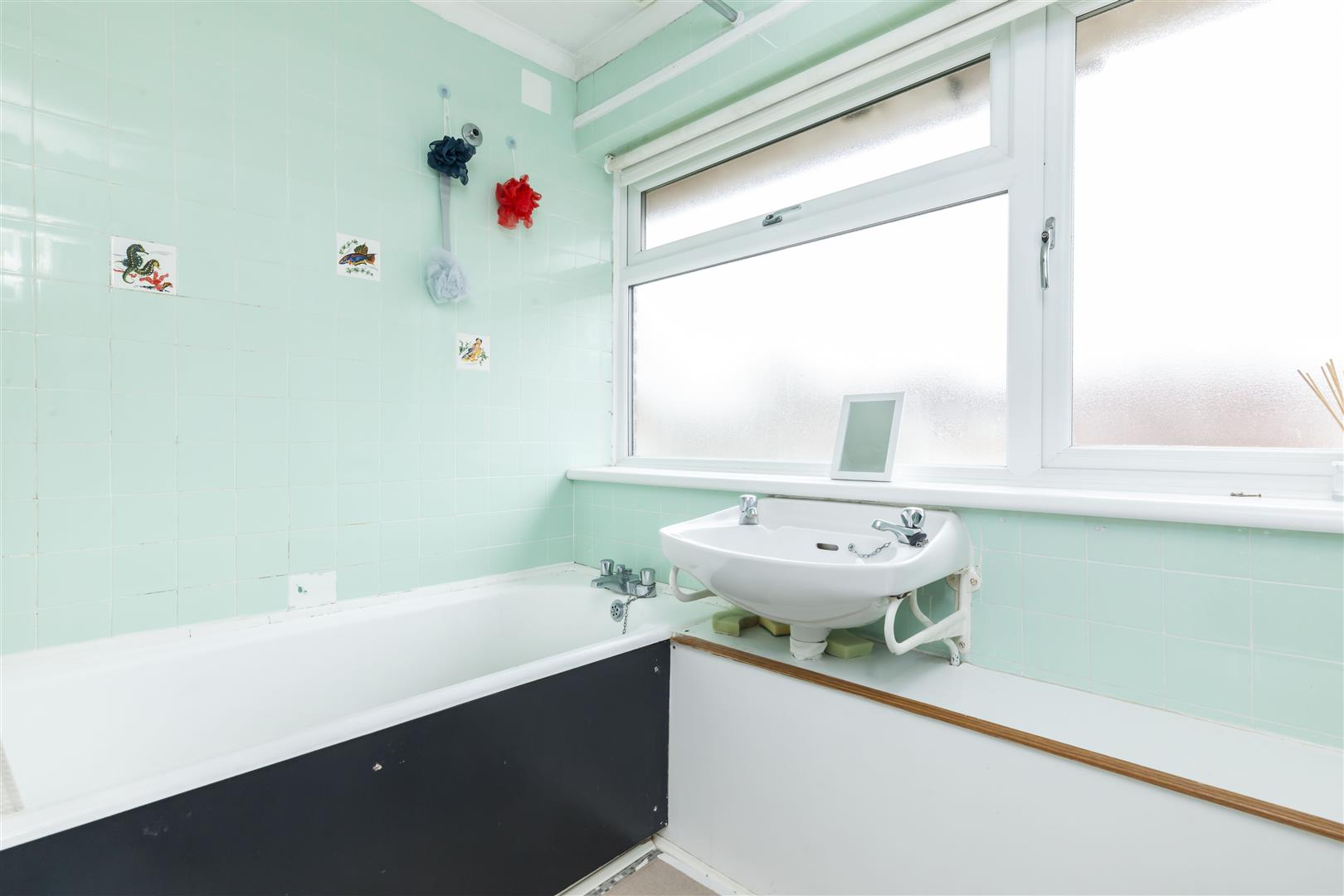 3 bed terraced house for sale in Furnace Drive, Crawley  - Property Image 12