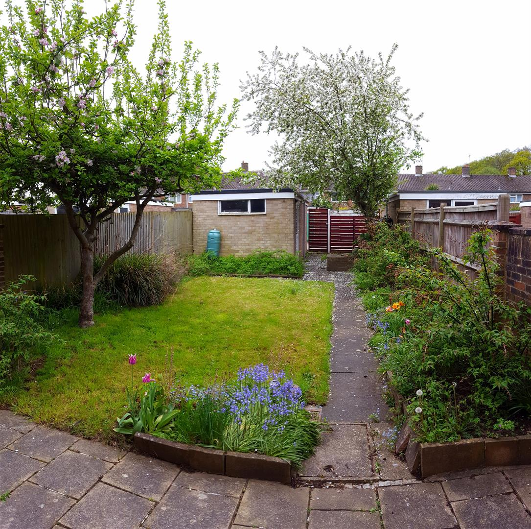 3 bed terraced house for sale in Furnace Drive, Crawley 16
