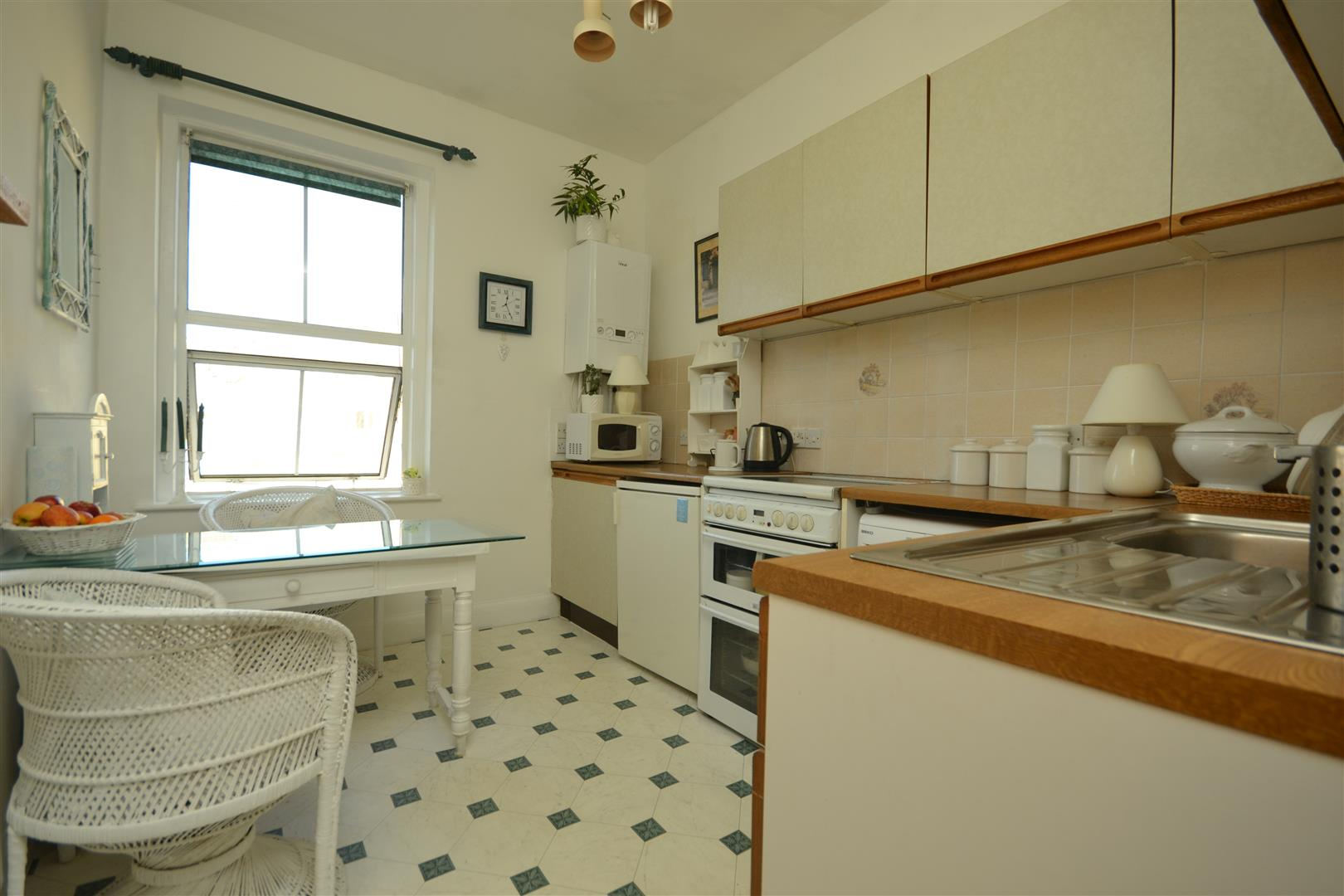 2 bed apartment for sale in Terrace Road, St. Leonards-On-Sea  - Property Image 1