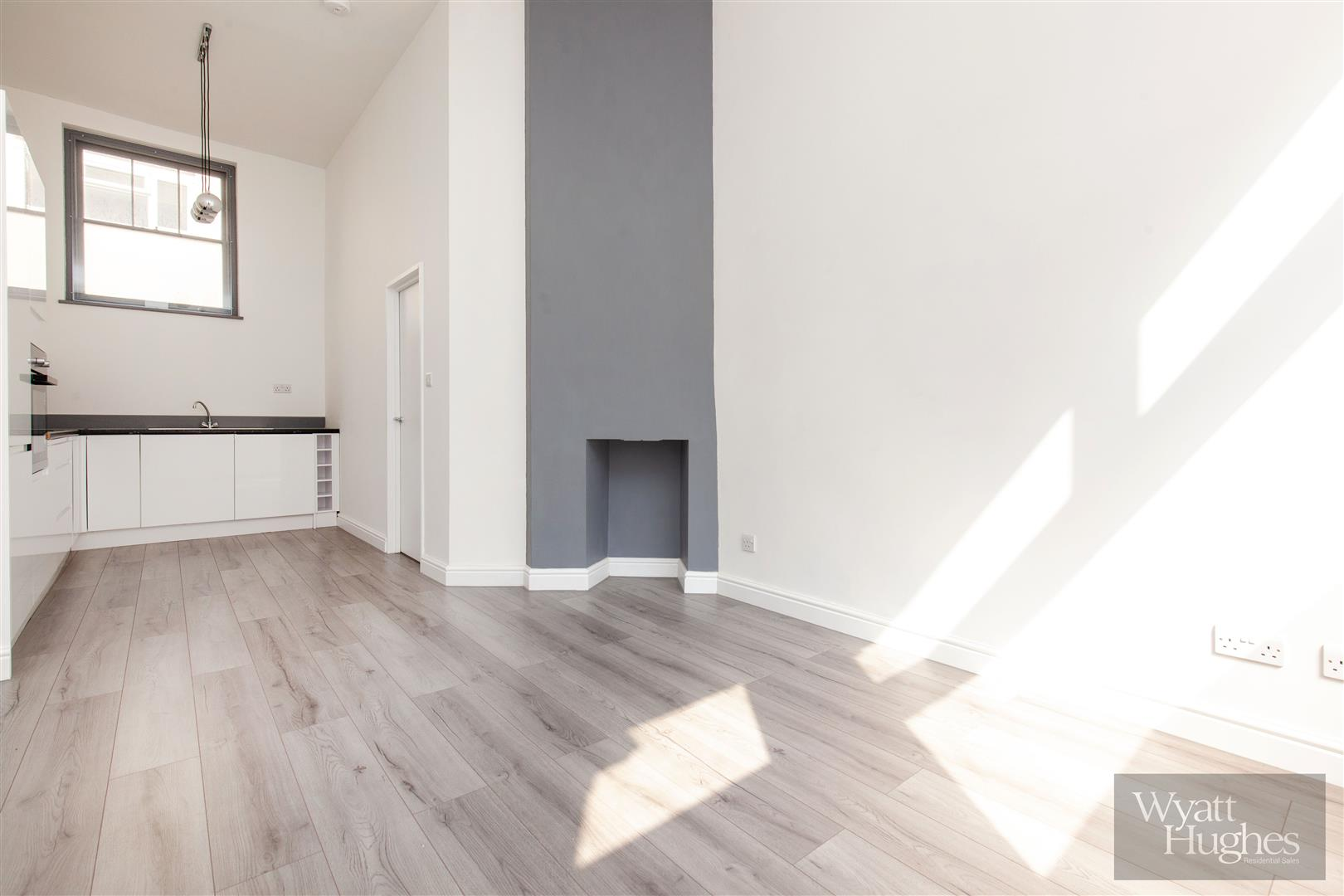 2 bed maisonette for sale in Western Road, St. Leonards-On-Sea  - Property Image 8