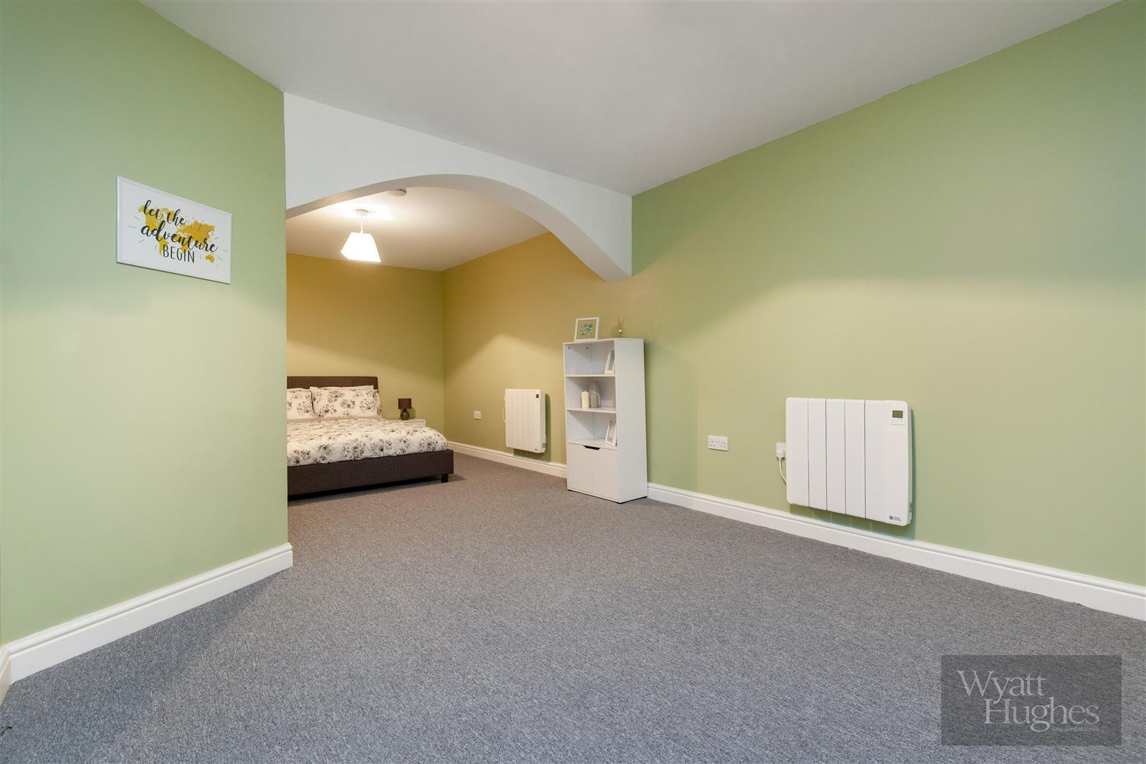 2 bed maisonette for sale in Western Road, St. Leonards-On-Sea  - Property Image 10