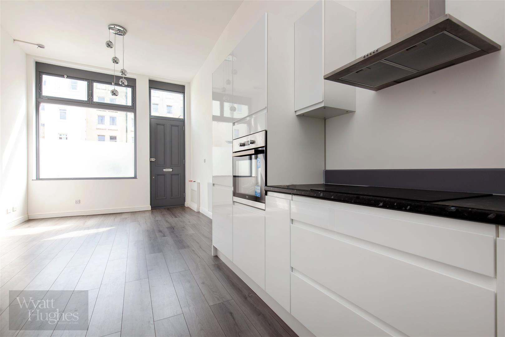 2 bed maisonette for sale in Western Road, St. Leonards-On-Sea 3