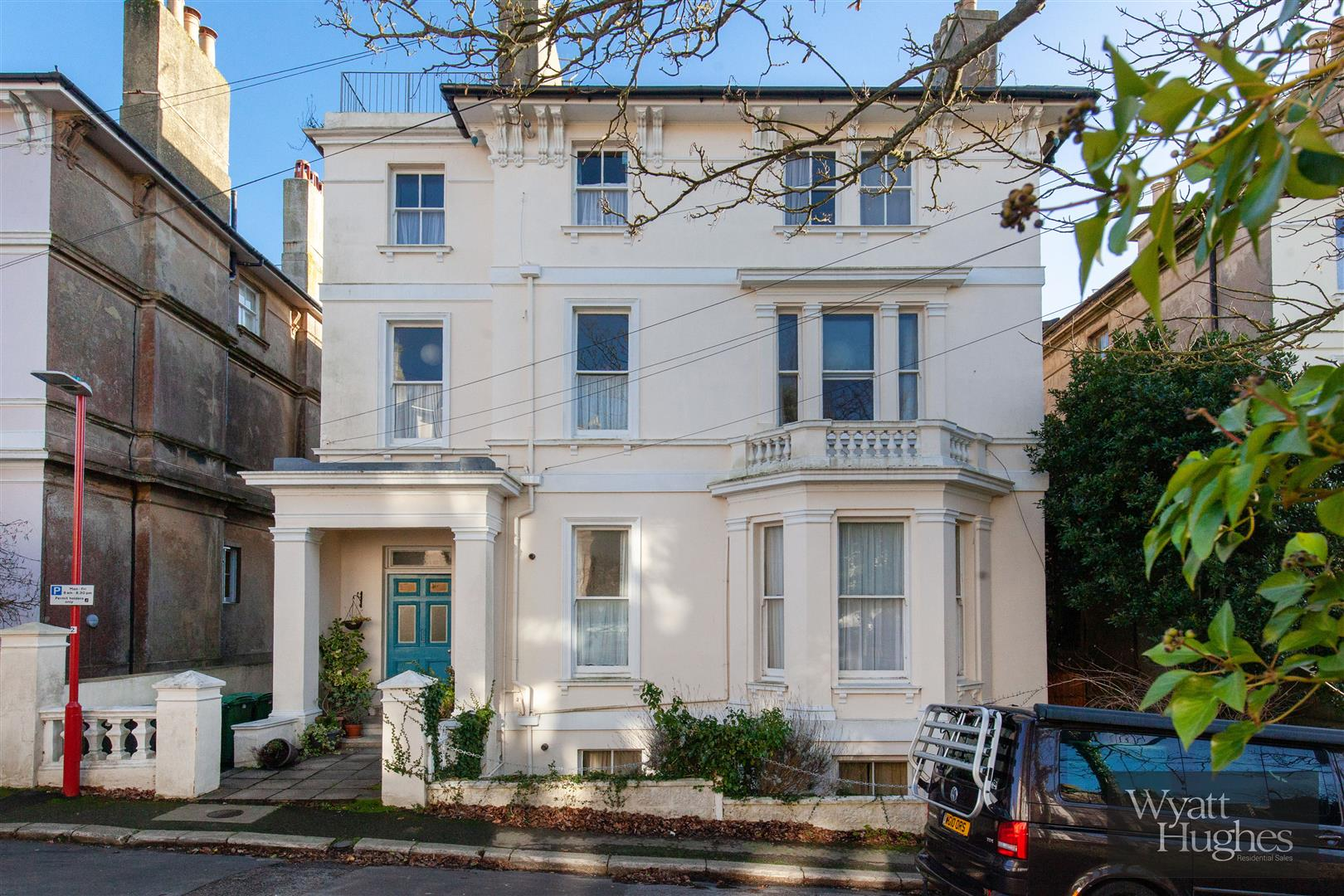 2 bed flat for sale in The Mount, St. Leonards-On-Sea  - Property Image 25