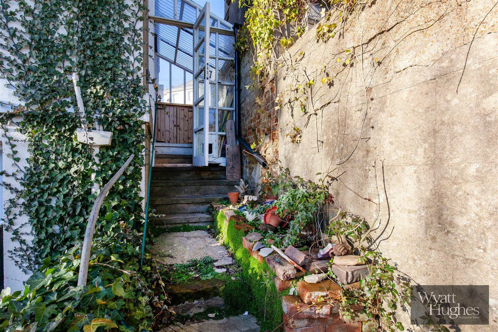 2 bed flat for sale in The Mount, St. Leonards-On-Sea  - Property Image 10