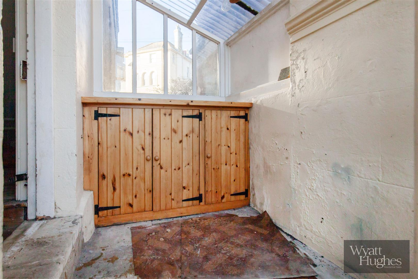 2 bed flat for sale in The Mount, St. Leonards-On-Sea  - Property Image 9