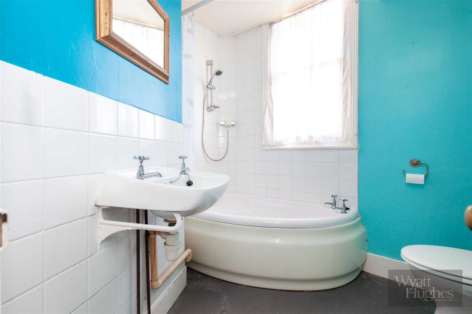 2 bed flat for sale in The Mount, St. Leonards-On-Sea  - Property Image 15