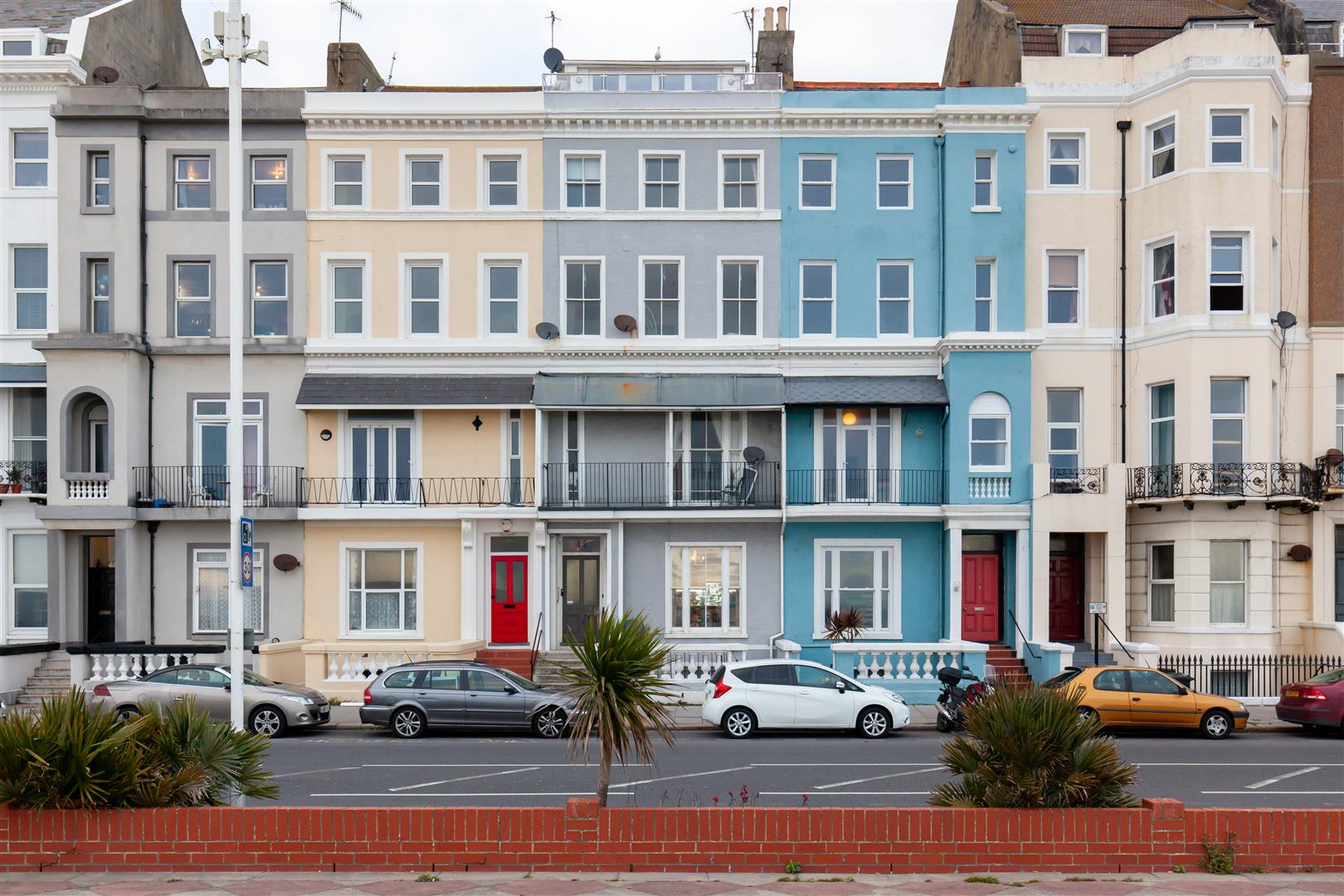 2 bed flat for sale in Eversfield Place, St. Leonards-On-Sea  - Property Image 1