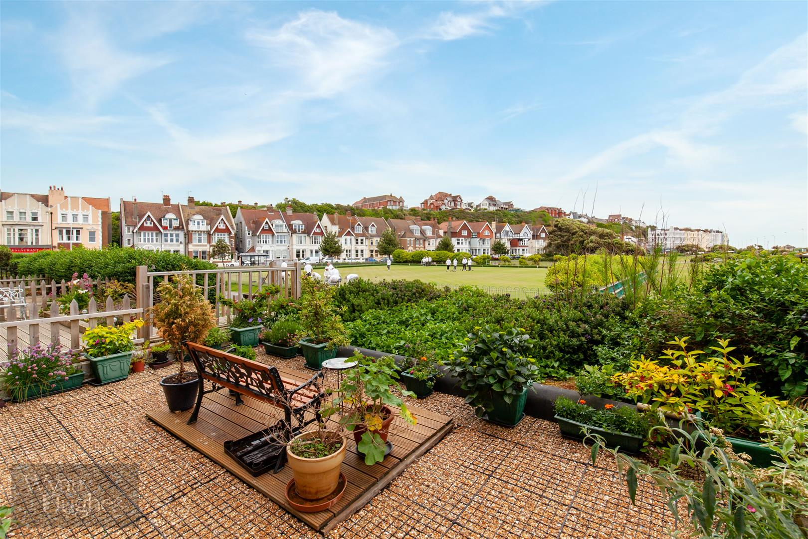 2 bed flat for sale in Grosvenor Gardens, St. Leonards-On-Sea  - Property Image 1