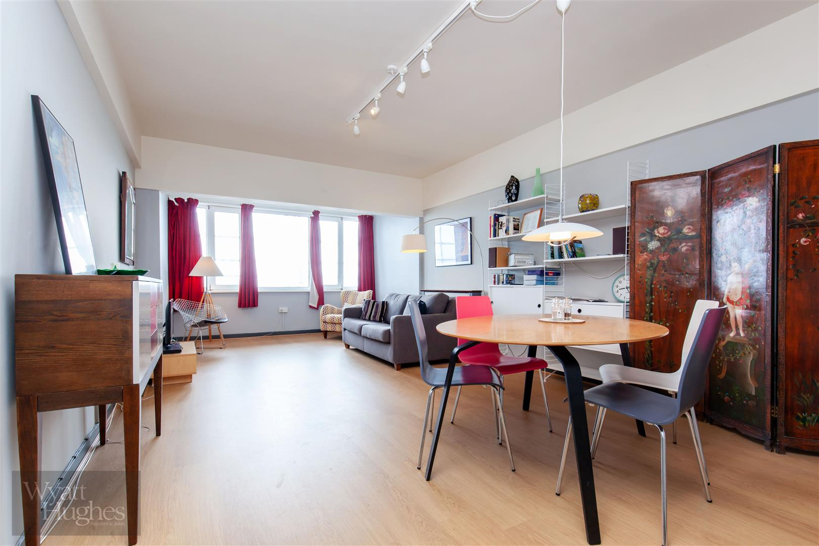 1 bed flat for sale in Marine Court, St. Leonards-On-Sea  - Property Image 1
