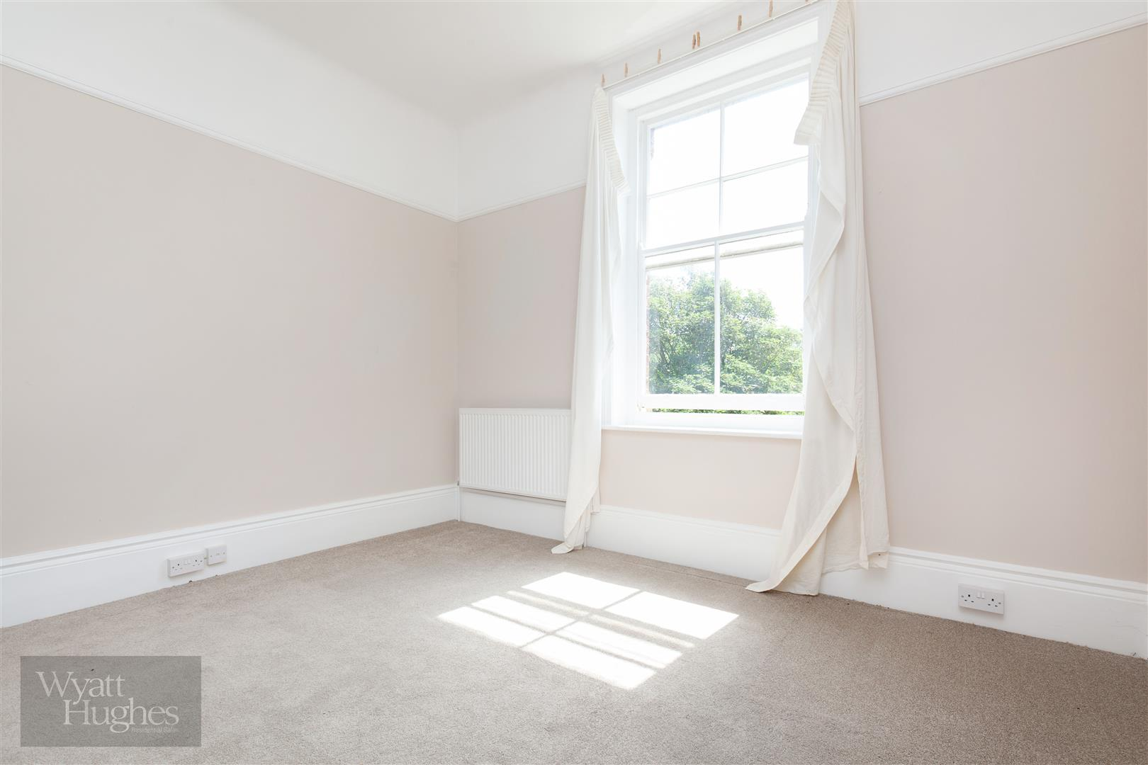 2 bed flat for sale in Pevensey Road, St. Leonards-On-Sea  - Property Image 13