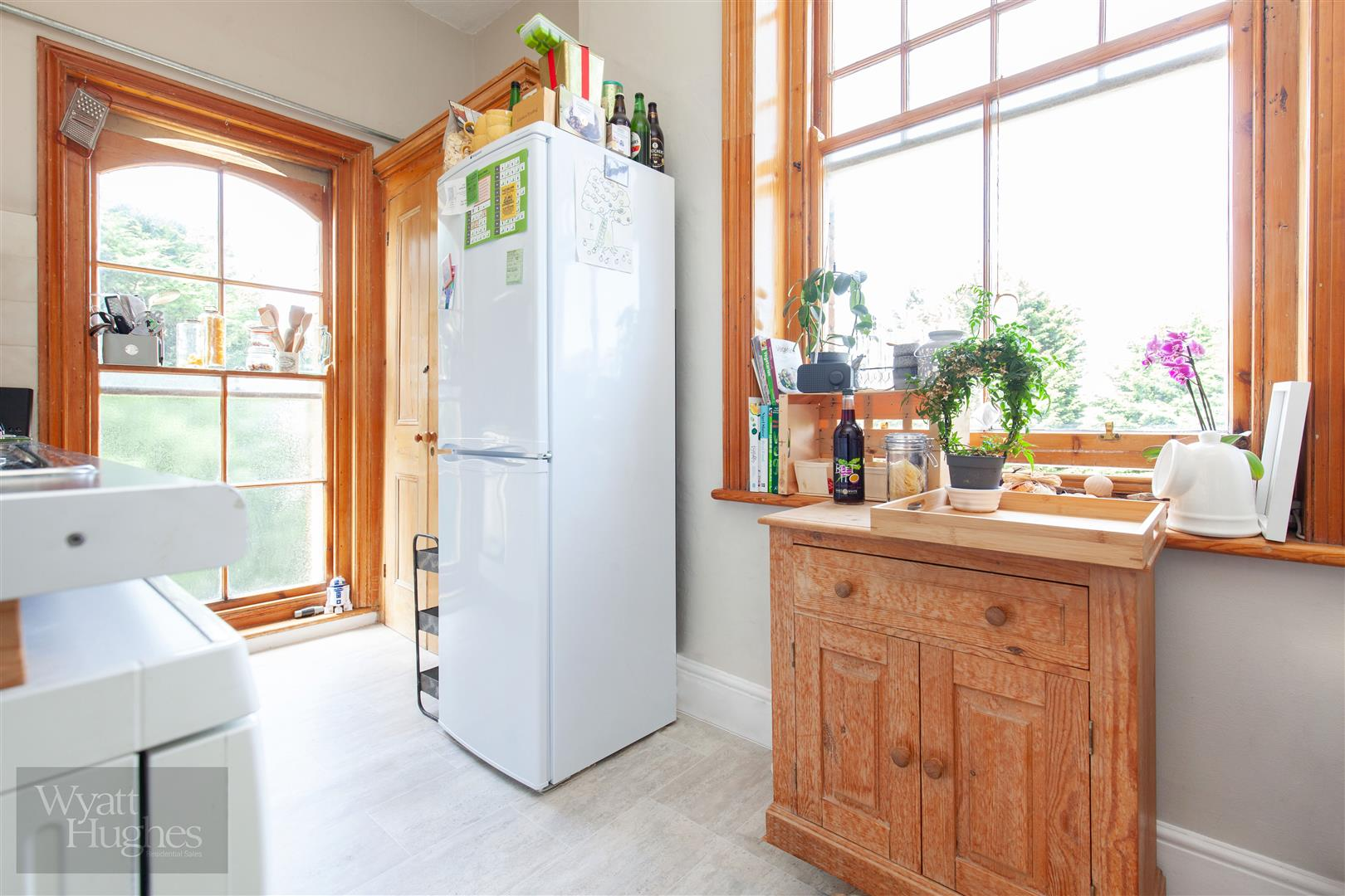 2 bed flat for sale in Pevensey Road, St. Leonards-On-Sea  - Property Image 5