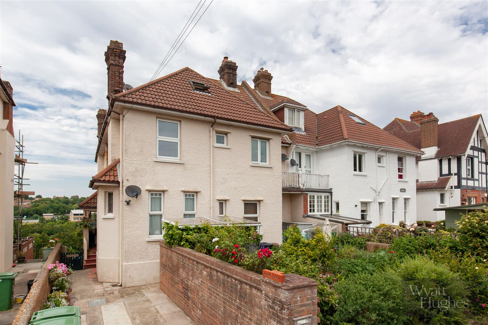 3 bed flat for sale in St. Saviours Road, St. Leonards-On-Sea - Property Image 1