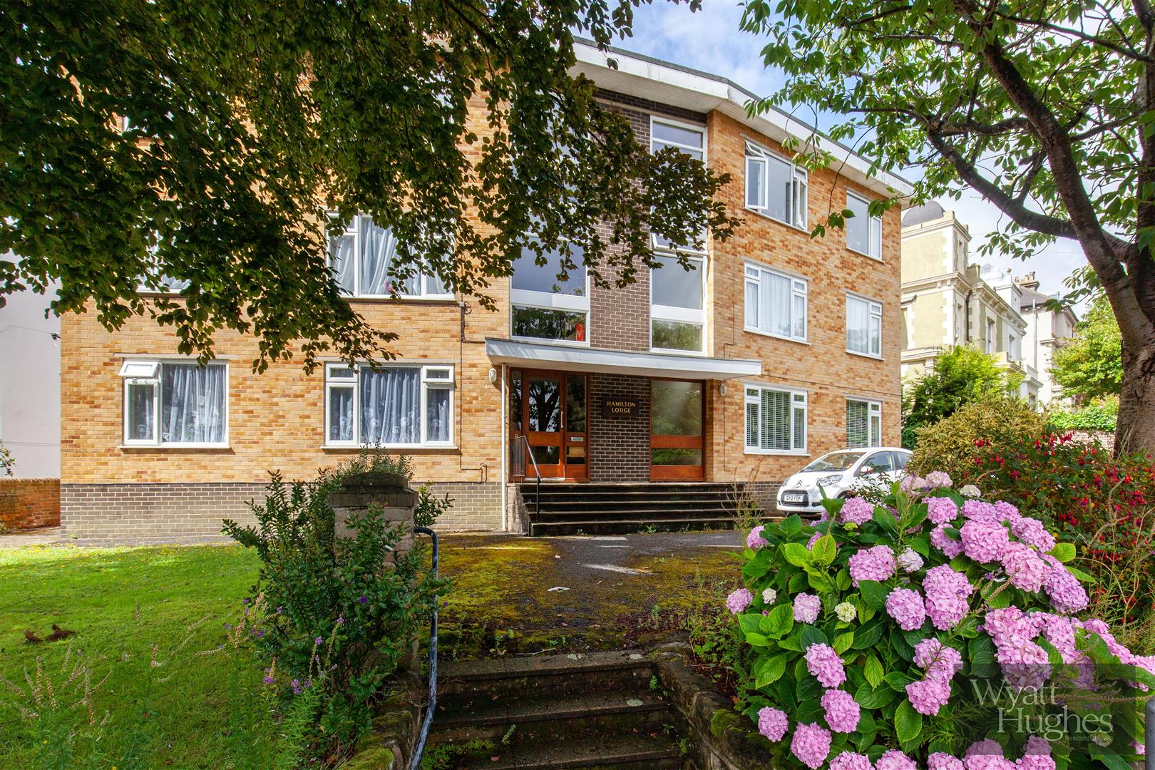 2 bed flat for sale in Dane Road, St. Leonards-On-Sea  - Property Image 7