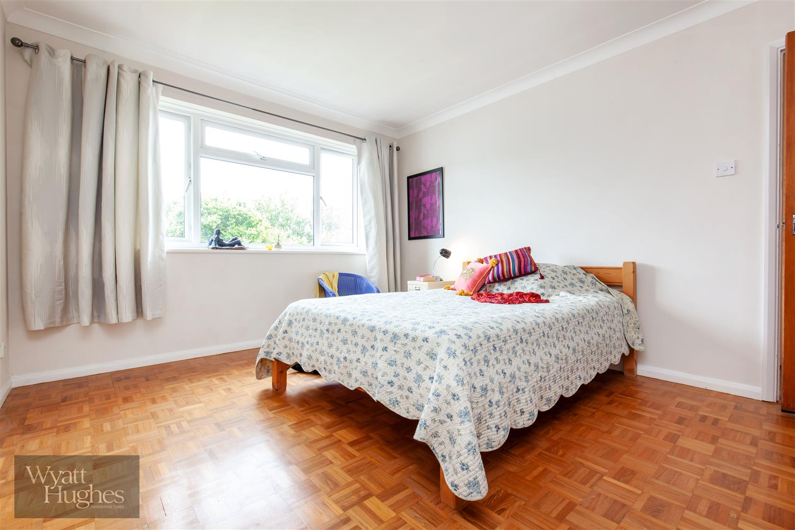 2 bed flat for sale in Dane Road, St. Leonards-On-Sea  - Property Image 4