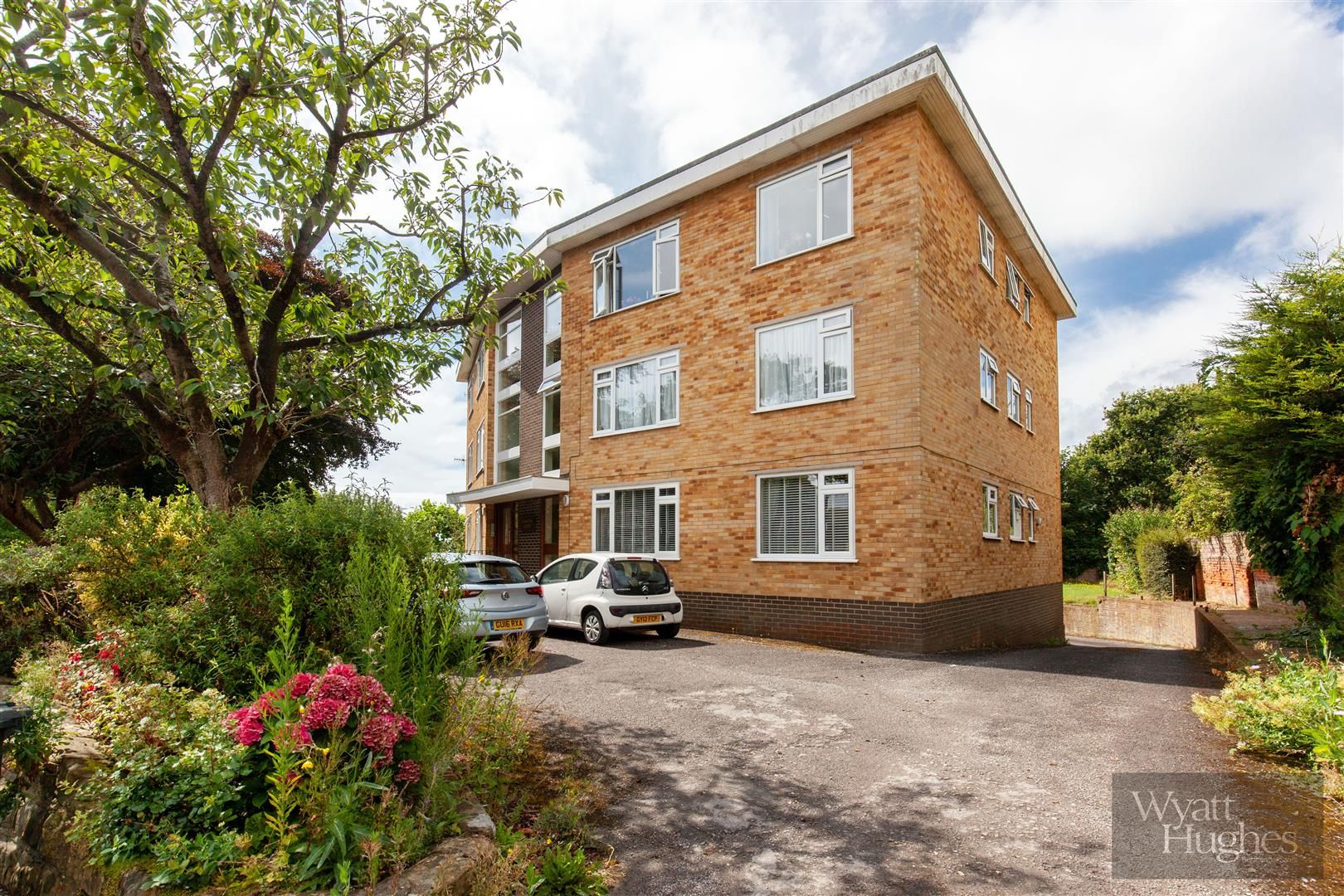 2 bed flat for sale in Dane Road, St. Leonards-On-Sea - Property Image 1