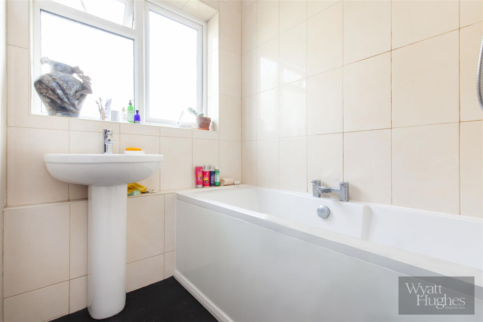 2 bed flat for sale in Dane Road, St. Leonards-On-Sea  - Property Image 14