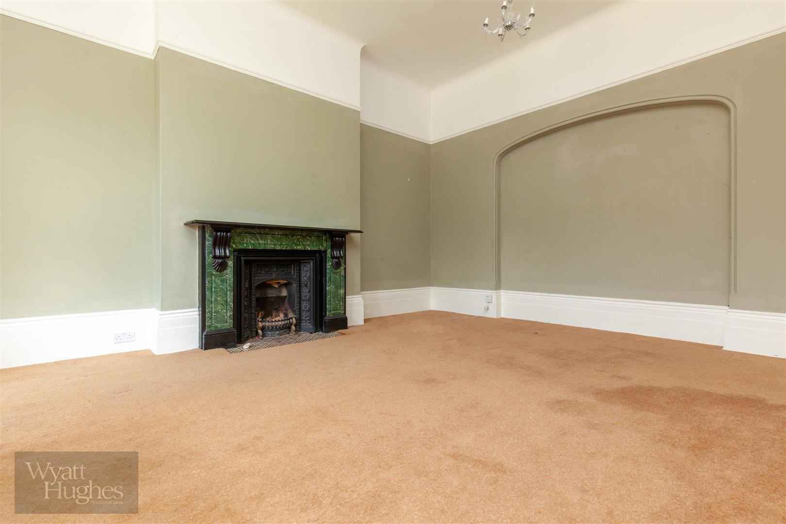2 bed flat for sale in Pevensey Road, St. Leonards-On-Sea  - Property Image 4