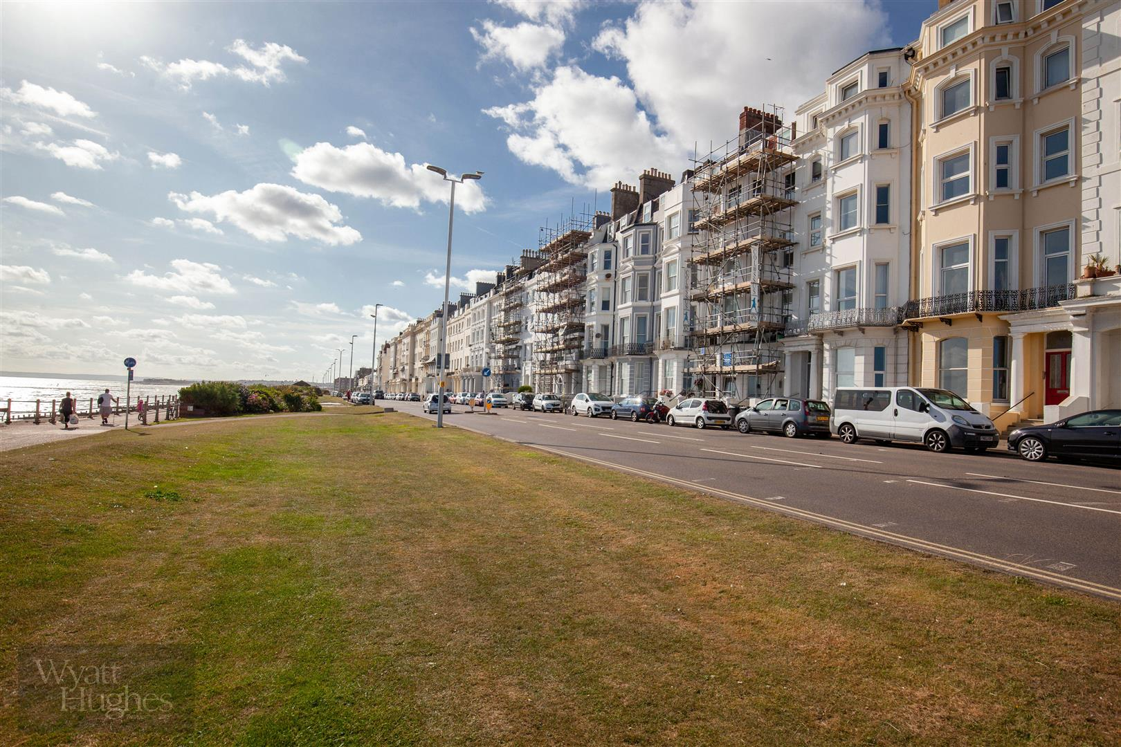 2 bed flat for sale in Marina, St. Leonards-On-Sea  - Property Image 8