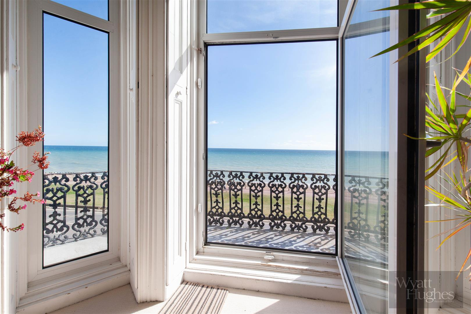 2 bed flat for sale in Marina, St. Leonards-On-Sea  - Property Image 2