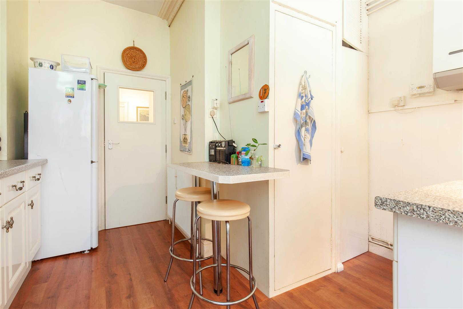 2 bed flat for sale in Marina, St. Leonards-On-Sea  - Property Image 13