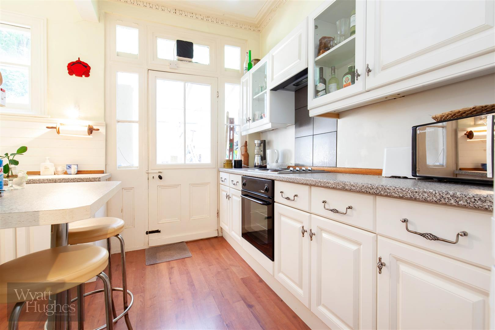 2 bed flat for sale in Marina, St. Leonards-On-Sea  - Property Image 3