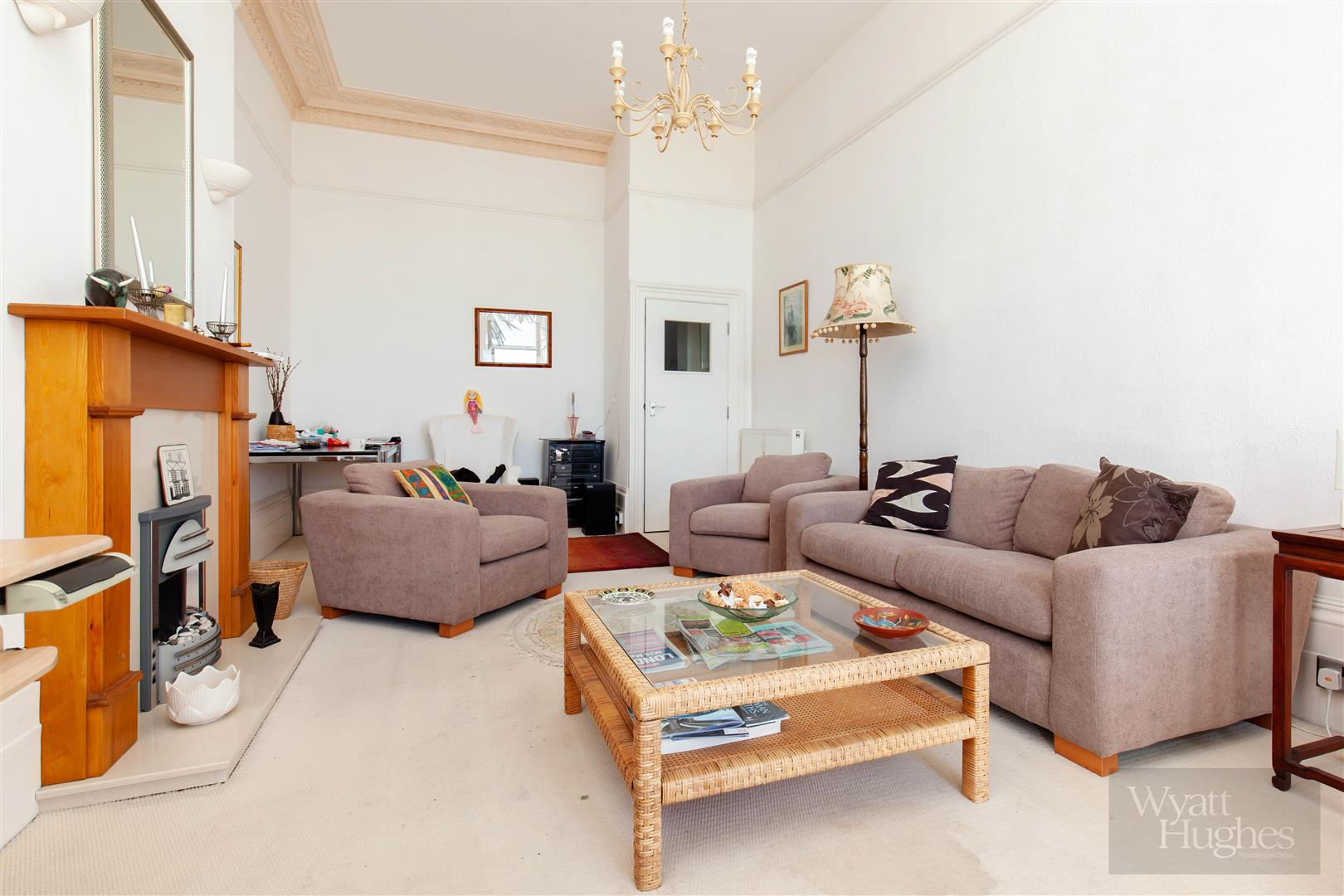 2 bed flat for sale in Marina, St. Leonards-On-Sea  - Property Image 6