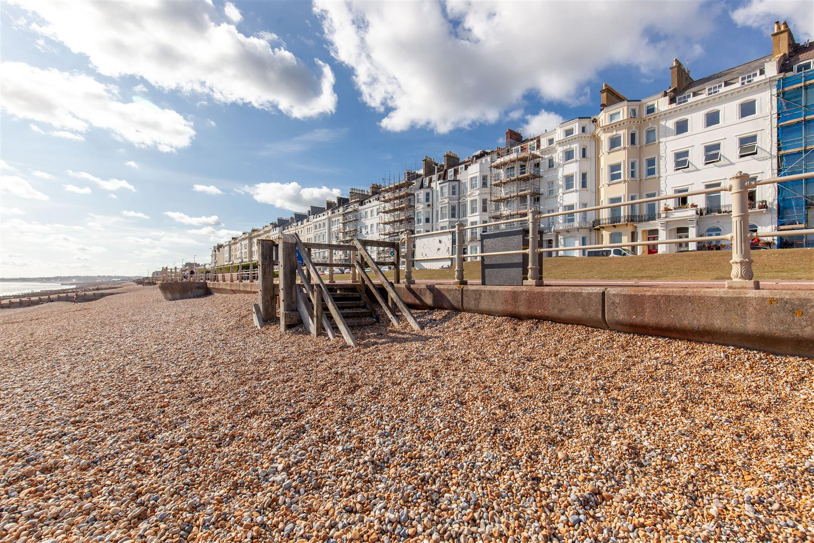 2 bed apartment for sale in Marina, St. Leonards-On-Sea  - Property Image 5