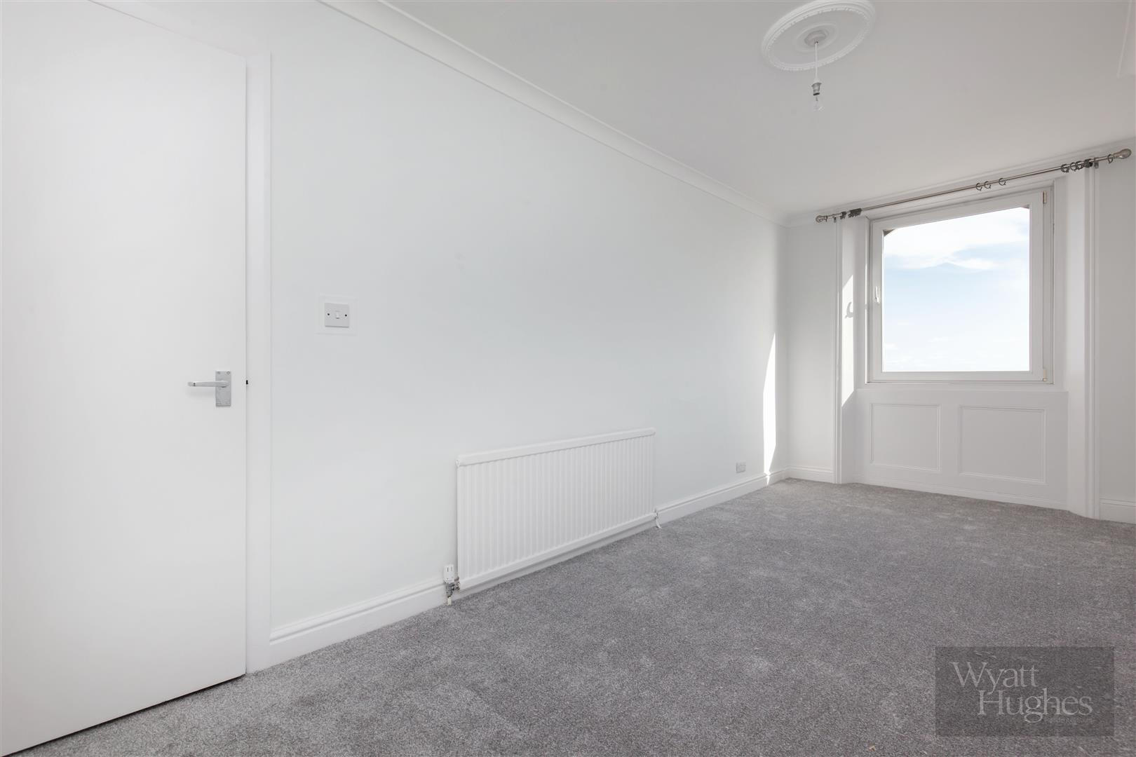 2 bed apartment for sale in Marina, St. Leonards-On-Sea  - Property Image 14