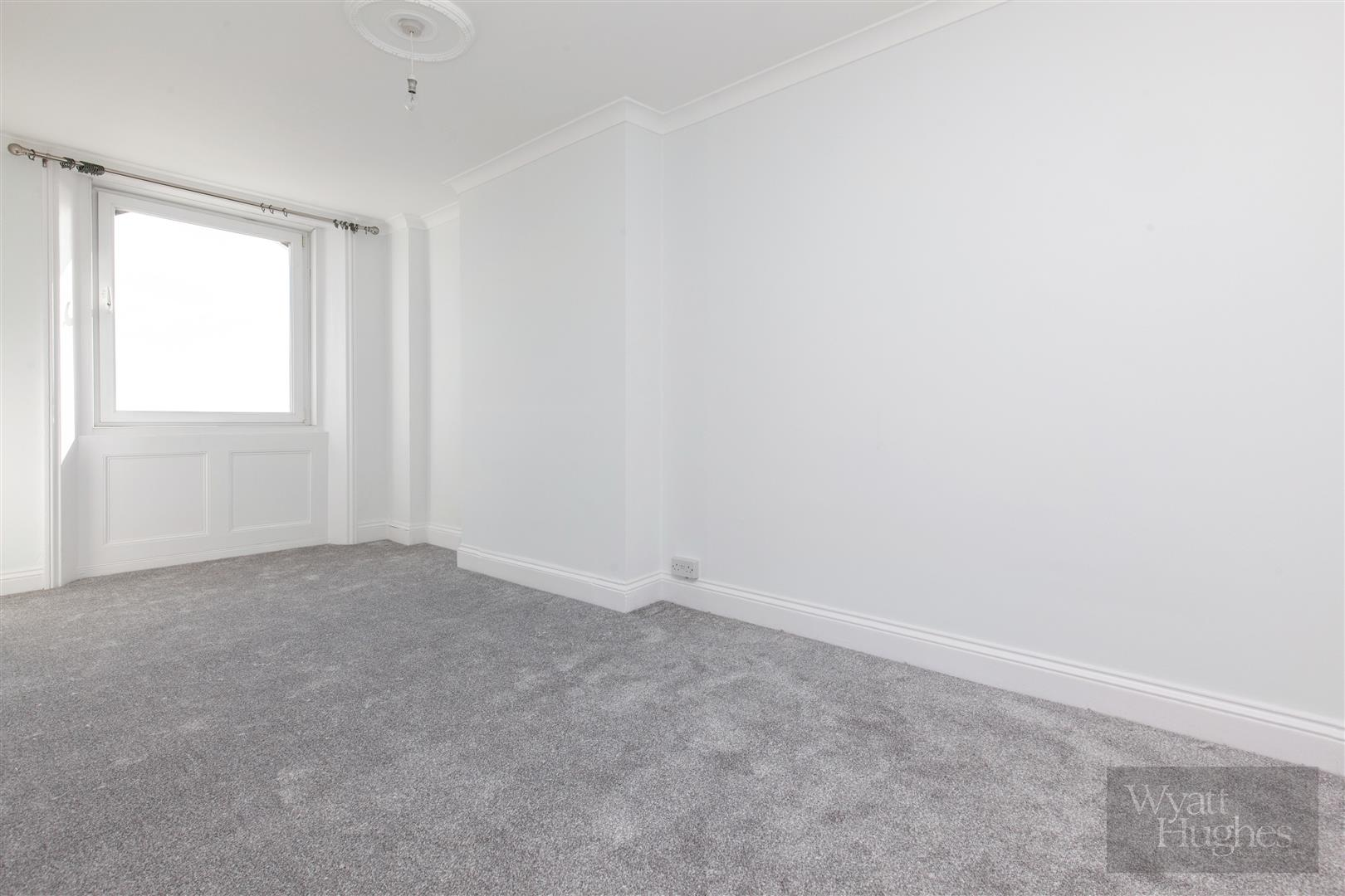 2 bed apartment for sale in Marina, St. Leonards-On-Sea 8