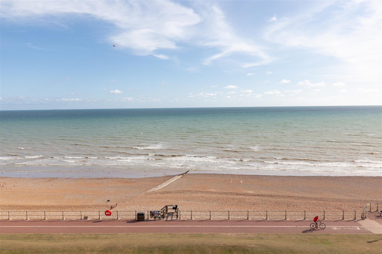 2 bed apartment for sale in Marina, St. Leonards-On-Sea  - Property Image 3