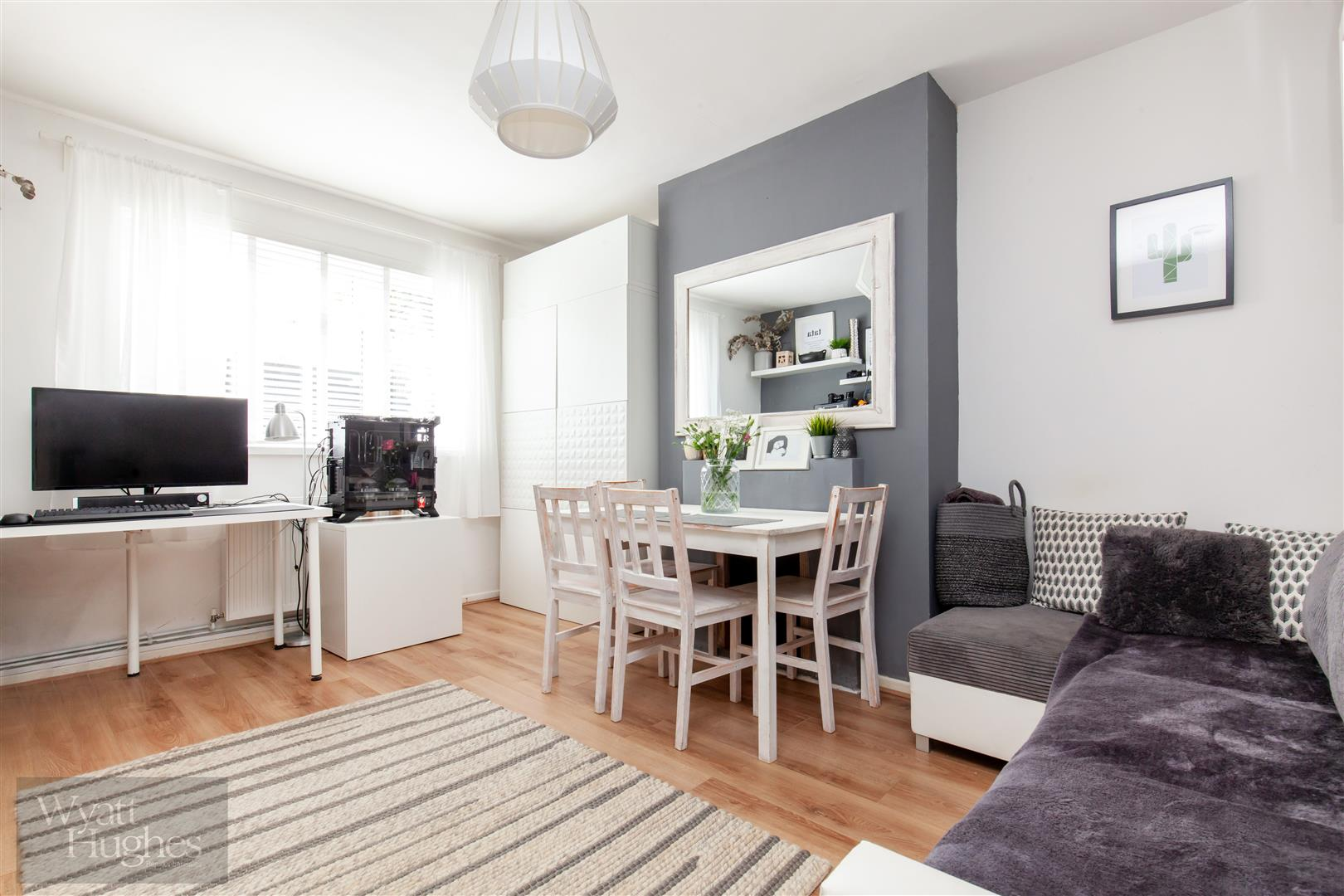 2 bed flat for sale in St. Pauls Place, St. Leonards-On-Sea  - Property Image 3