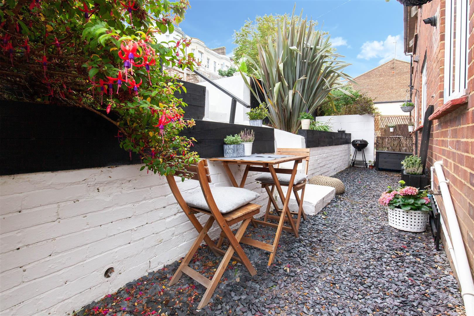 2 bed flat for sale in St. Pauls Place, St. Leonards-On-Sea  - Property Image 4