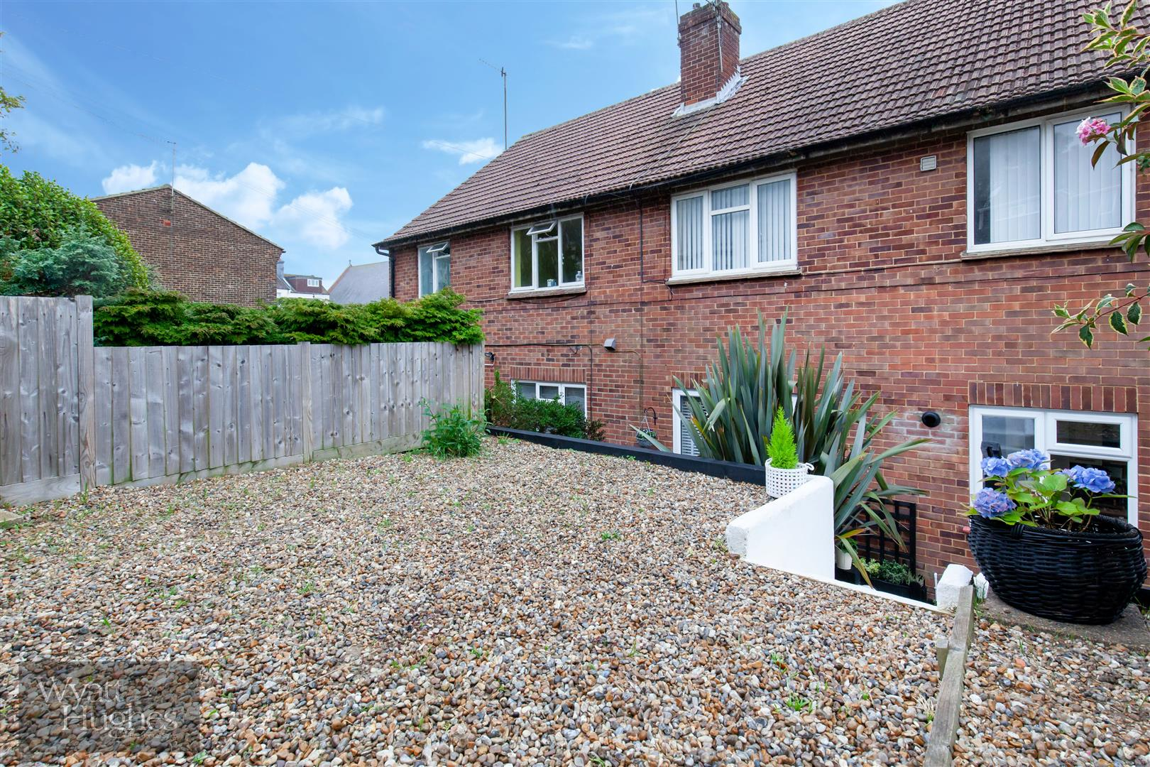 2 bed flat for sale in St. Pauls Place, St. Leonards-On-Sea 15