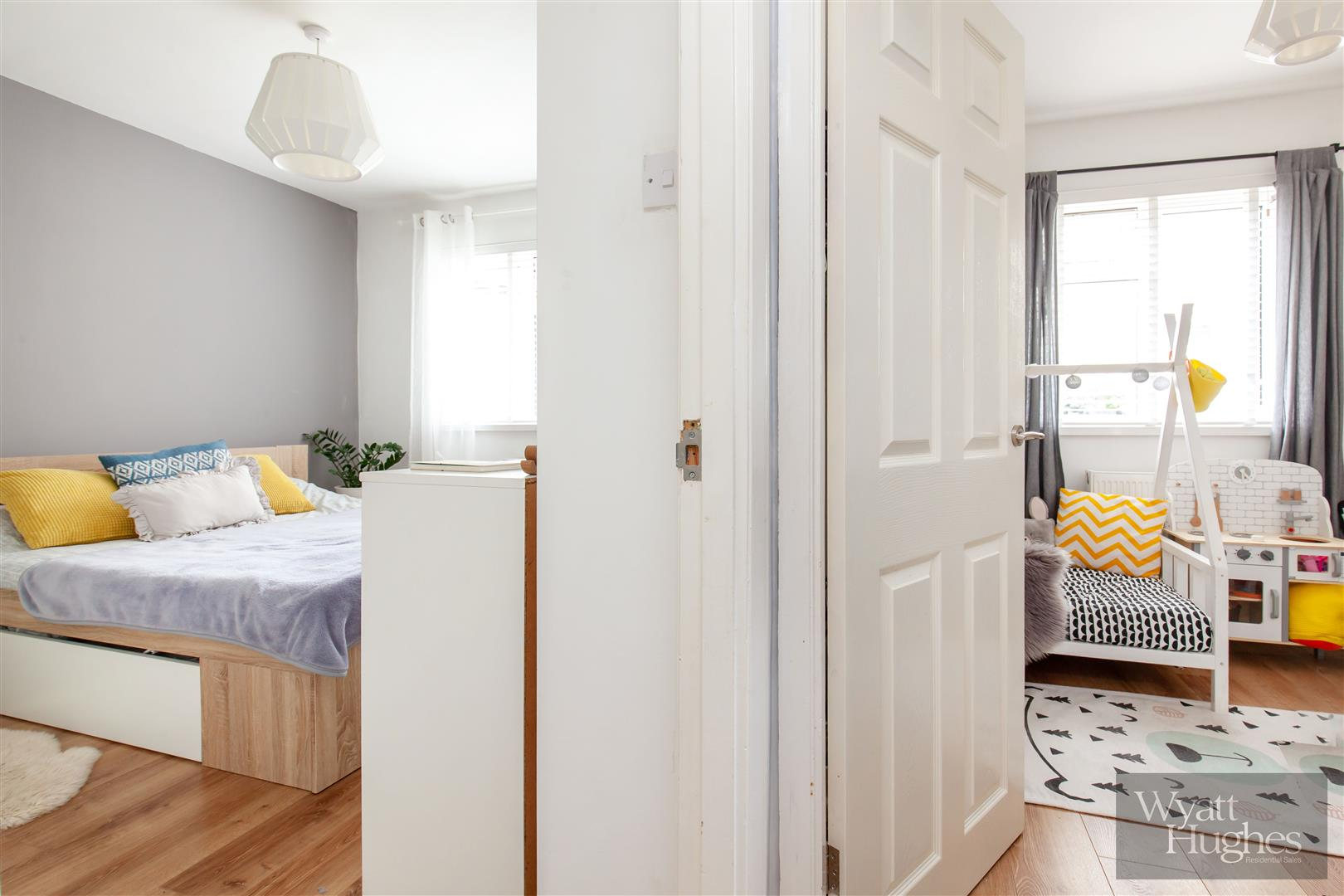 2 bed flat for sale in St. Pauls Place, St. Leonards-On-Sea  - Property Image 11