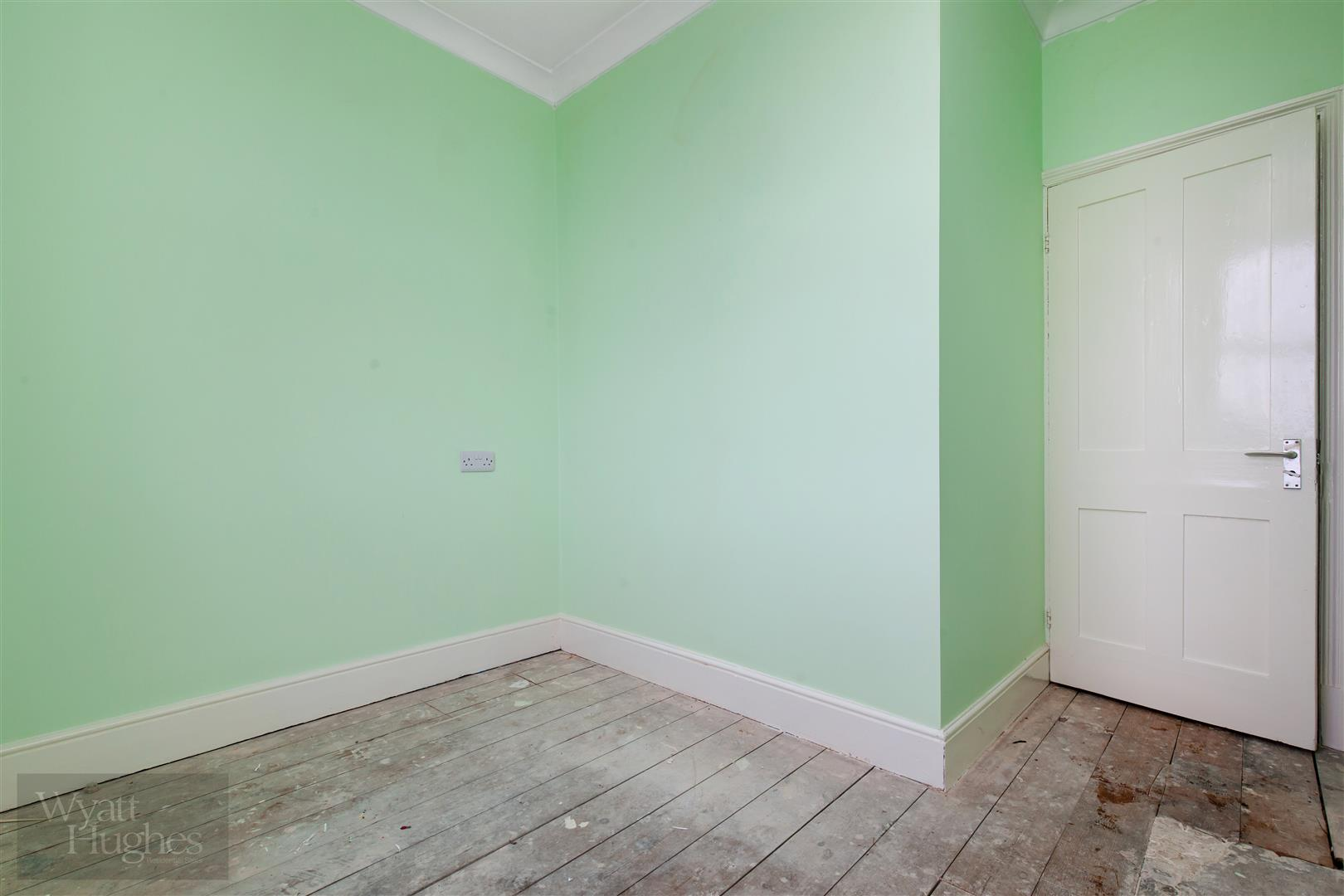3 bed end-of-terrace-house for sale in Burry Road, St. Leonards-On-Sea  - Property Image 13