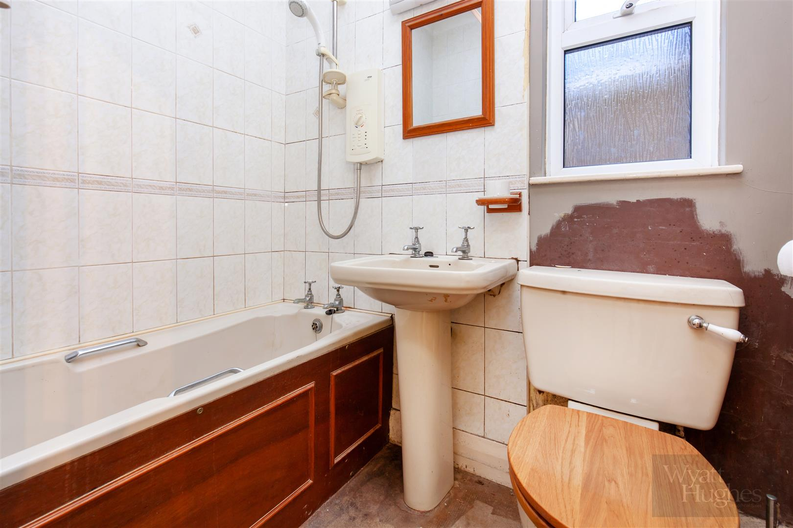 3 bed end-of-terrace-house for sale in Burry Road, St. Leonards-On-Sea 7